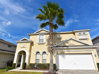 Beautiful 6 bedroom 4 bath home from $135nt