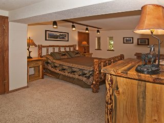 Renovated Luxury - Lake View. Hot Tub, Pool Table, Incline Village