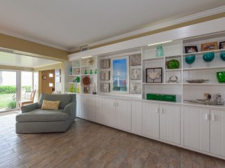 The Villa is decorated to reflect the beach and the beauty of Longboat Key.