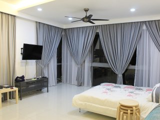 Modern & Clean ,Panoramic view,Family,WIFI 4-6pax, Petaling Jaya