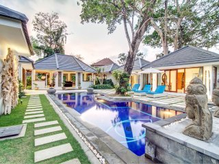 Large 4 BR villa in the quiet area - Umalas, Seminyak