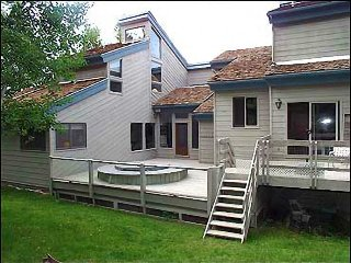 Large Snowmass Home with good Ski-in/out Access (202952)