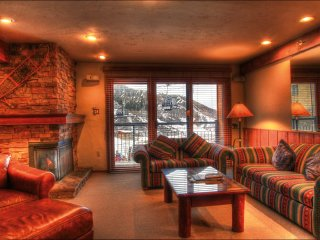 Great Family Condo - Ski-in/Ski-out (2147), Snowmass Village