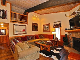 Wood Bridge Condo with Texas Flair! (203142)