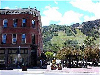 Prime Aspen Location! - Walk to Gondola and Shops (6503)