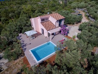 Comfortable Eclectic Villa with Swimming Pool