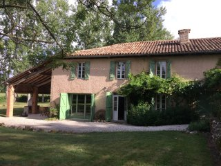 Countryside retreat with private swimming pool, L'Isle-en-Dodon
