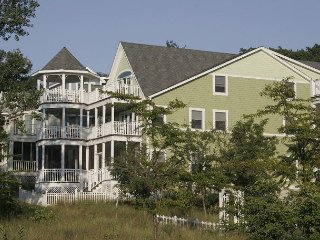 Massive 5bdrm with  Lake Michigan Views Beachwalk Resort Home Sleeps 20, Michigan City