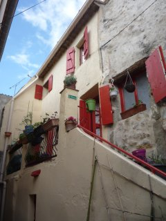 Le Chai and La Cachette (up external staircase)