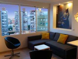 Modern apartment in city-center with great views, Torremolinos