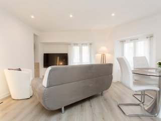 Brand new central 2 beds / 2 baths 313
