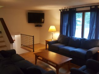 Spacious And Welcoming 4 Bedroom Home!, Old Orchard Beach
