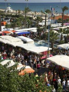 commerces et marché de produits locaux à proximité