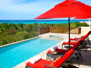 Dreamcatcher - luxury villa, stunning views over turquoise seas, Shoal Bay Village