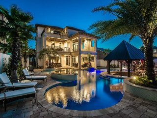 LUXURY GULF VIEW HOME! PRIVATE POOL/SPA, GAME ROOM, NEAR BEACH!