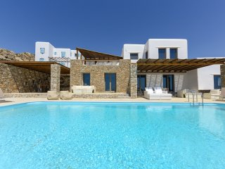 Nike suite with shared pool, panoramic sea views!, Mykonos Town