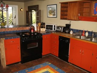 ALLURING AND NEAT FURNISHED 2 BEDROOM 1 BATHROOM APARTMENT, San Francisco