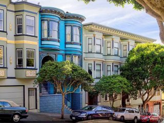 GORGEOUS 2 BEDROOM APARTMENT ON LOMBARD STREET, San Francisco