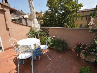Penthouse Navona 1bedrooms,furnished terrace,quiet
