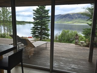 Lakefront Luxury Villa, Selfoss