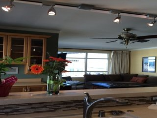 BEAUTIFULLY FURNISHED 2 BEDROOM, 2 BATHROOM APARTMENT, San Francisco