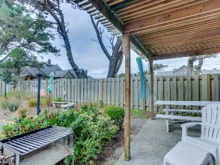 Charming, dog-friendly cabana with serene ocean views & easy beach access