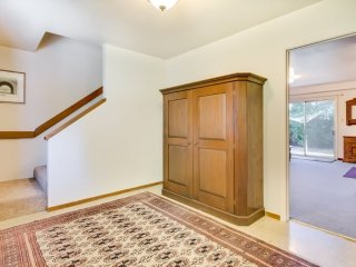 AMAZING 3 BED, 1 BATH HOME IN REDWOOD CITY, Redwood City