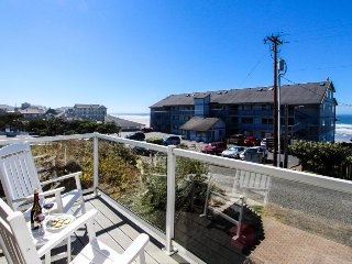 Upscale and spacious home w/ hot tub, beach access & ocean views!, Newport
