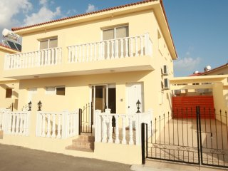 Nissi Beach 2 bedroom villa 2-WIFI,Pool,Near Beach