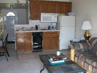 Lakefront condo-1bd/1 bath,sofa bed, Unit 115, Tahoe Vista