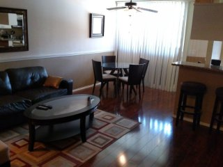 Furnished Studio Apartment at Hilgard Ave & Lindbrook Dr Los Angeles, Los Ángeles