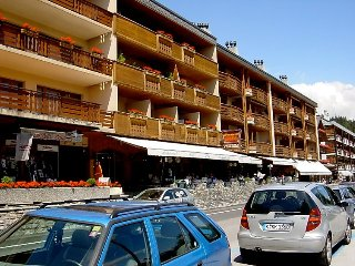 2 bedroom Apartment in Crans Montana, Valais, Switzerland : ref 2241794, Crans-Montana