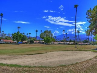 DQ119 - Rancho Las Palmas Country Club - 3 BDRM + DEN, 2 BA