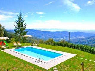 Sweet Villa Portole Due with private pool and A/C, Cortona