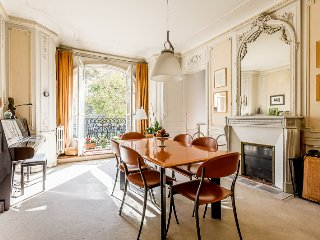 Amazing Parisian Apartment for 4 - Les Invalides