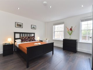 (Inbox me for discounts) Luxury3Bed Apartment in Shoreditch 1725