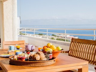 PET-FRIENDLY, EXCLUSIVE 3-BDR W AMAZING SEA VIEWS, Cas Catala