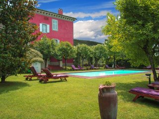 Charming Apartment in Ancient Villa in Chianti, San Giustino Valdarno