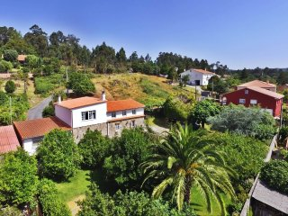 Huge comfortable holiday house in a peaceful setting near Santiago
