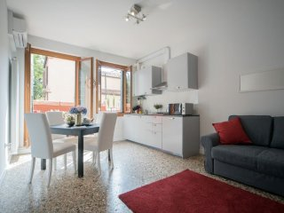 Appartamento Venier - One bedroom apartment facing the Guggenheim's gardens, Venice