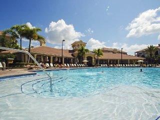 Vista Cay Luxury Condo 3 bed/2 bath (#3015)
