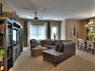 Vista Cay Lakeview Condo 3 bed/2 bath #3060, Orlando