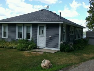 Cobb's Lake Cottage, East Tawas
