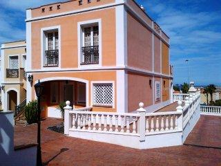 Vacation house in El Veril del Duque, La Caleta