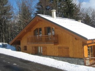 Chalet Les Jumelles B with Sauna and Fireplace