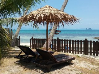 Beach House with fantastic view, Taling Ngam