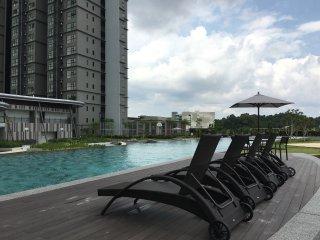 Hyve Suite, Cyberjaya - Clean, Cosy & 100mbps WiFi