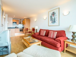 Luxury Two Bedroom Apartment in Super Location