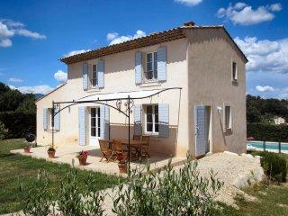Tour d'Aigues villa pour 6p. / 3ch. / 2SdB / cheminée / piscine privée de 5x10m