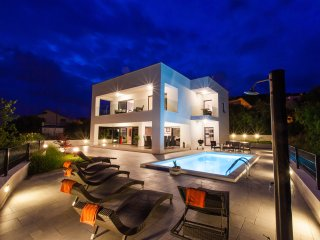 Luxury Villa Rina*****